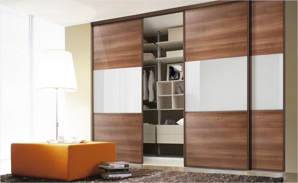 begehbarer kleiderschrank t rserie linear. Black Bedroom Furniture Sets. Home Design Ideas