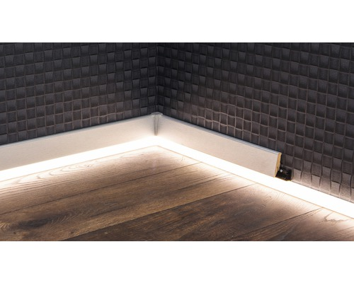 led kanal f r led sockelleiste opal 22x2500 mm bei. Black Bedroom Furniture Sets. Home Design Ideas